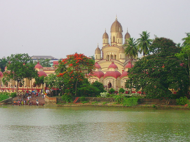 Dakshineswar Kali Temple, built by Rani Rashmoni in 1855 (cc) Wikimedia Commons
